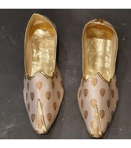 MM011-Men's Mojri shoes in Beige/brown