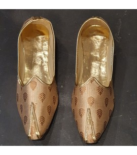 MM012-Men's Mojri shoes in dark brown