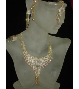 Crystally look Necklace Set