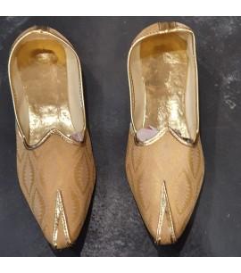 MM013-Men's Mojri shoes in Gold